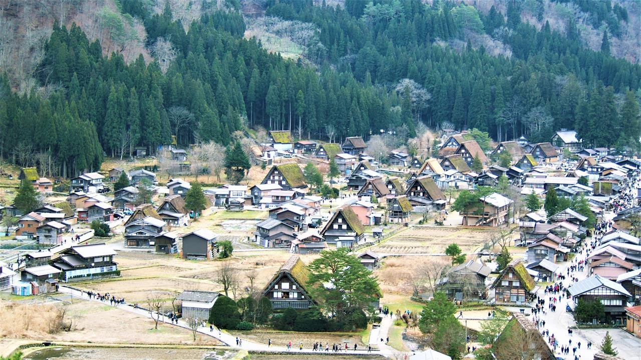 Photo of 白川鄉、兼六園、飛驒高山巴士輕鬆兩日遊!在日本古都名勝大吃飛驒牛,還有螃蟹吃到飽?