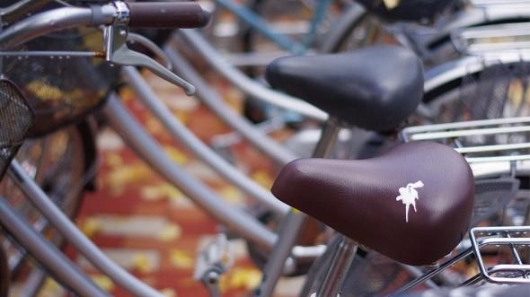 Photo of 日本單車防盜鳥糞貼紙開賣大受好評!還有各種搞笑的防盜點子,讓你佩服日本人的創意!