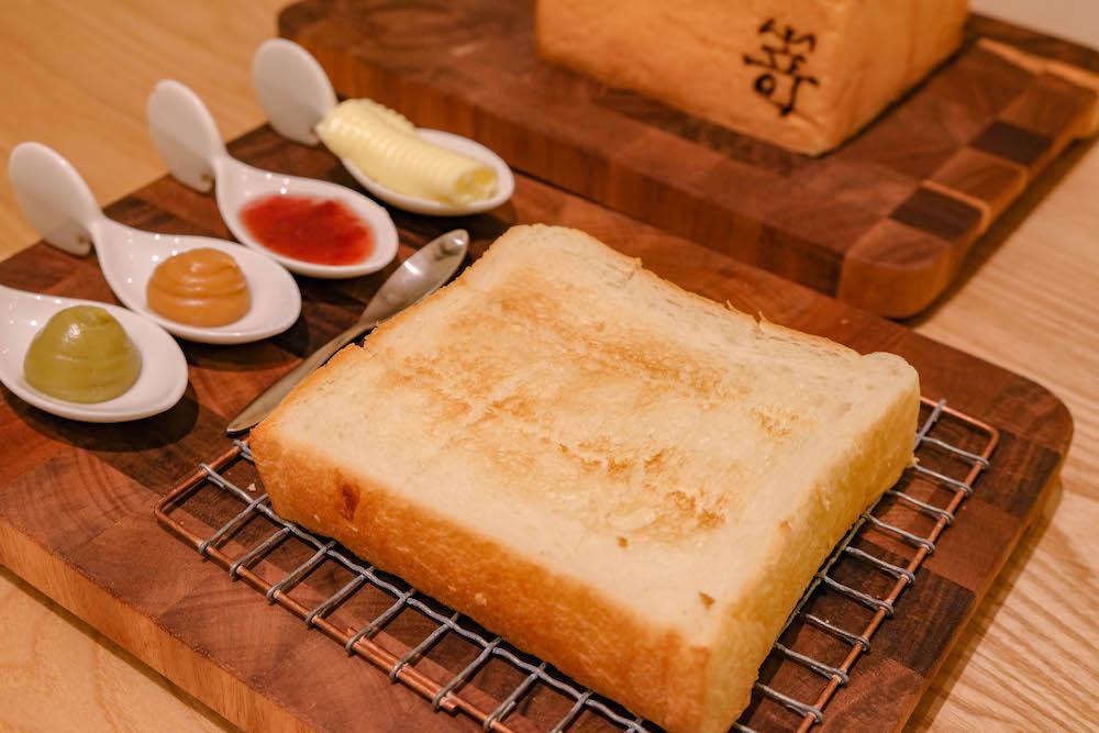Photo of 生吐司是什麼?跟一般吐司有什麼不同?要怎麼保存?讓排隊名店「嵜本 SAKImoto Bakery」告訴你~~